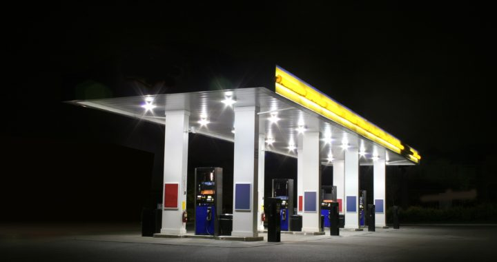 gas-station-night-538959