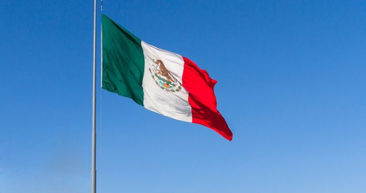 The Mexican flag, AlcazarMX / Pixabay.com
