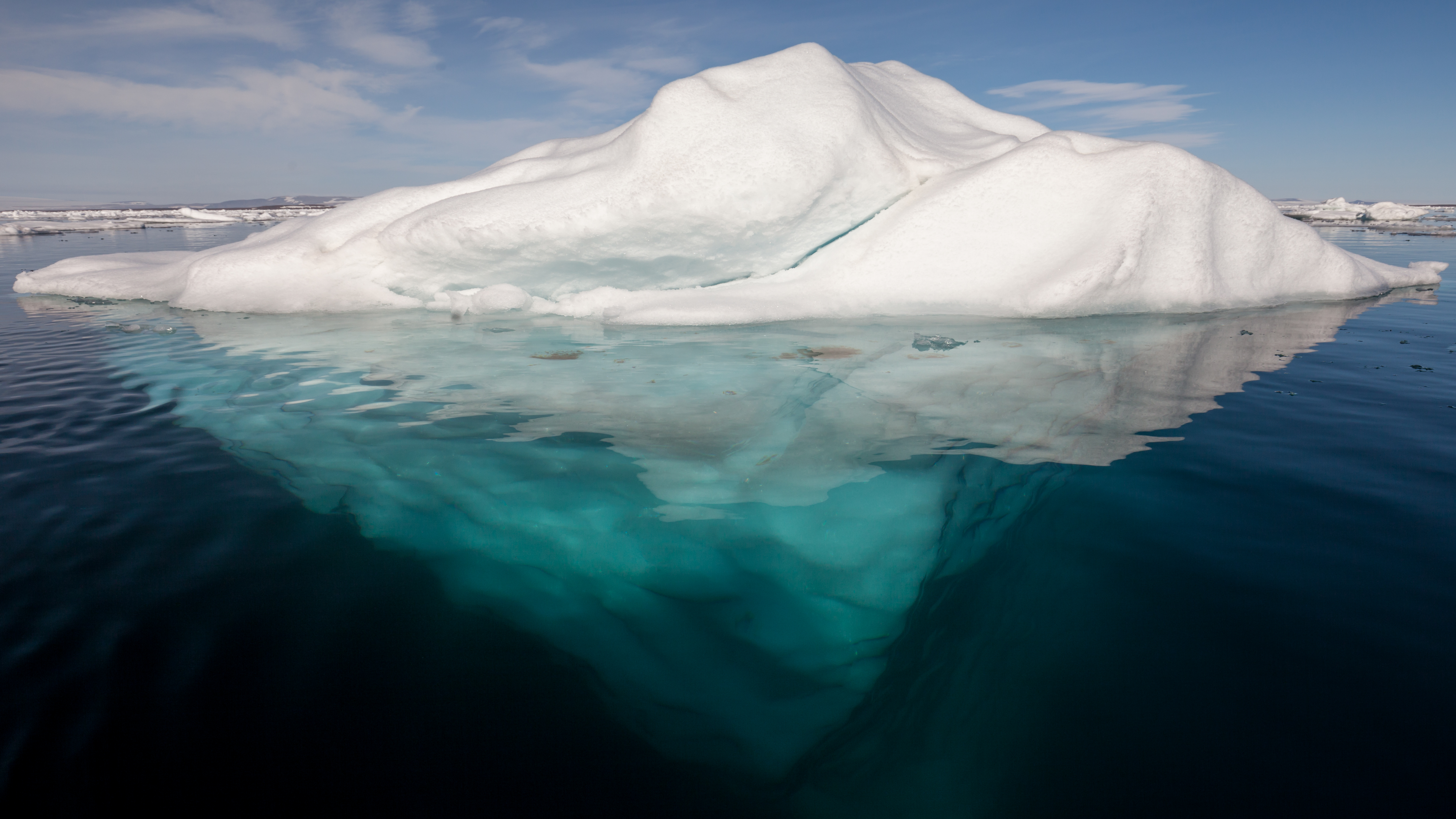 Iceberg in the Arctic, AWeith/Wikimedia Commons/CC BY-SA 4.0