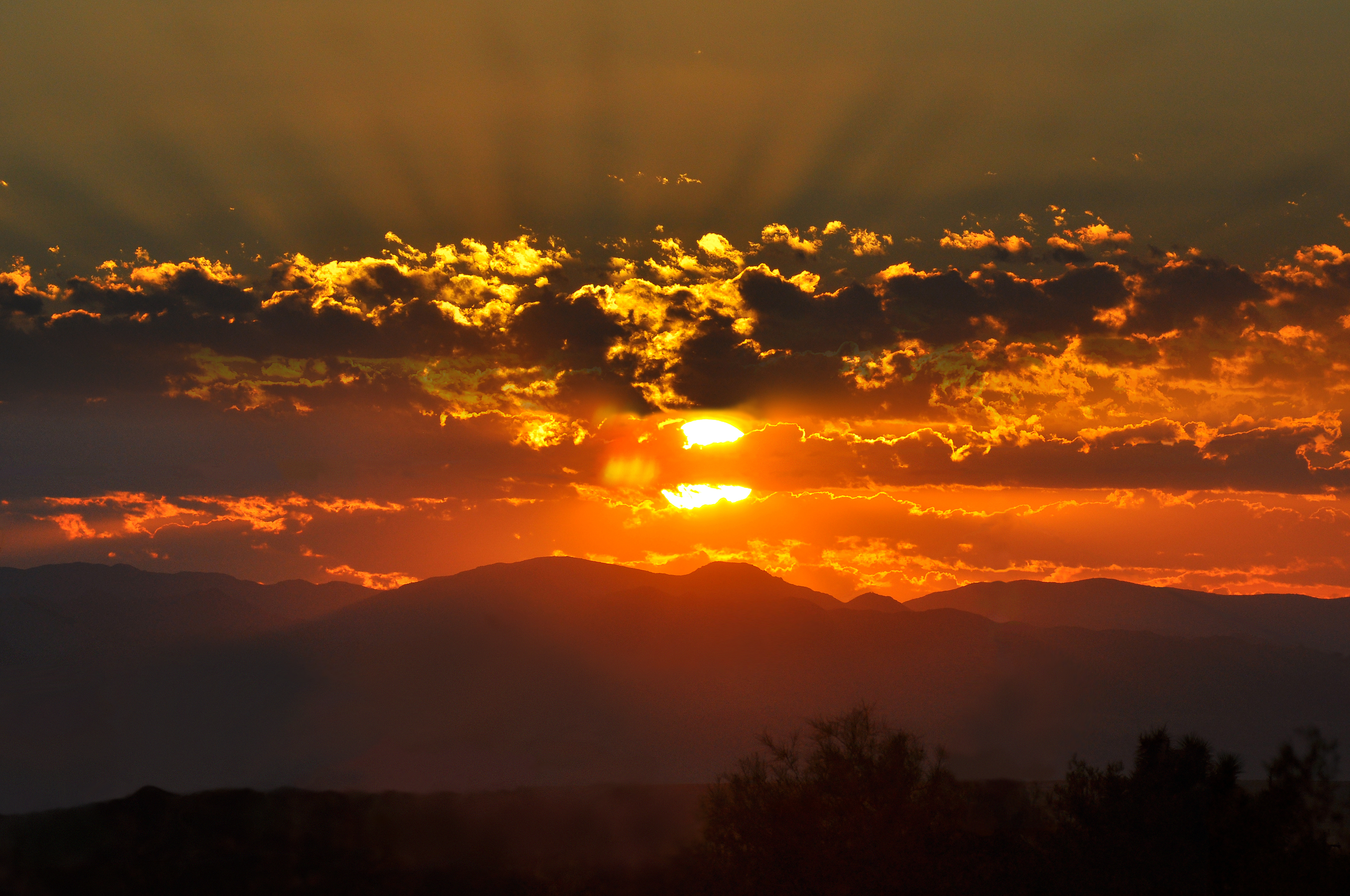 Summer Sunrise over the Mojave, Jessie Eastland/Wikimedia Commons
